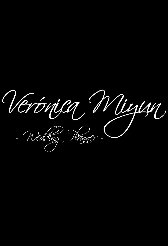 Verónica Miyun - Logo Web Wedding Planner